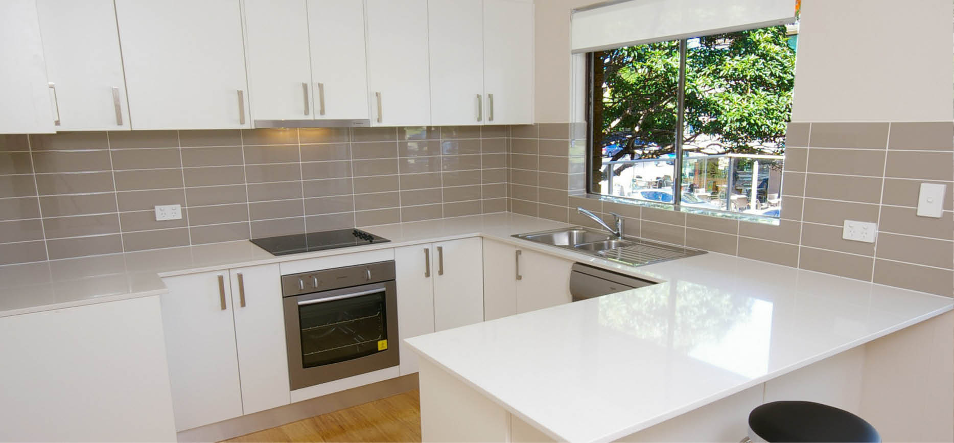 Wholesale kitchens sydney dee why custom made kitchen for Sydney custom kitchens